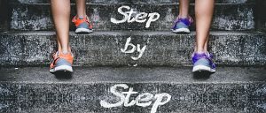 stairs 4574579 1920 - 【怪しい?】プログラミング・サクセスの評判について!ゆうたは信じて大丈夫?