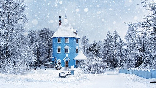 winter 2438791 640 - ムーミンバレーパークの冬のイルミネーションやアトラクションで遊ぼう!スナフキンやミイのグッズもあるよ。