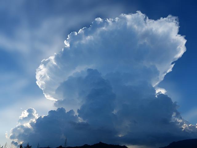 cloud 3320511 640 - 2020年秋アニメで「進撃の巨人」ファイナルシーズンがスタート。 無料の進撃の巨人のアニメ、シーズン1、シーズン2、シーズン3の2020年再放送はある?